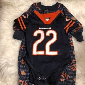 CHICAGO BEARS 3 MO. ONSIE & 6 MO. SLEEPER